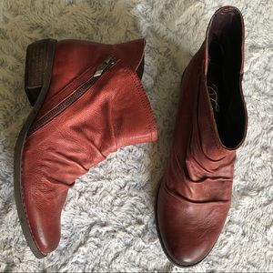 NWT Fergie Milestone Distressed Ankle Boots
